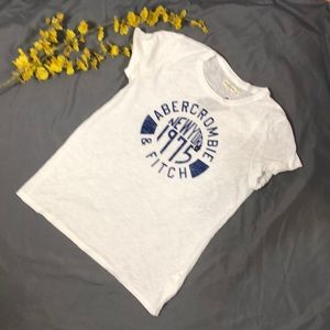 NWT Abercrombie & Fitch Graphic Tees Size: L